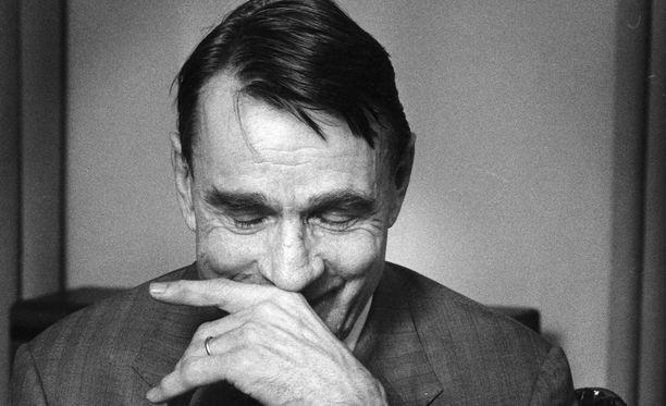 Mauno Koiviston ja O-ryhmäläisten järjestämä yllätys Ilaskiven väitöstilaisuudessa kirvoitti hymyn asianosaisten huulille vielä kolme vuosikymmentä myöhemmin.