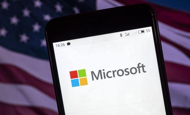 Microsoftin presidentti Brad Smith kertoi tapauksesta blogissaan.