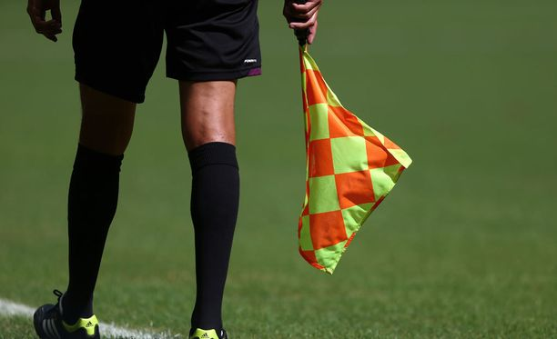 Tonja Paavola on ollut FIFA:n avustavien erotuomareiden listalla vuodesta 2007 lähtien.