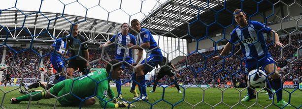 Wigan kaatui Emmerson Boycen omaan maaliin.