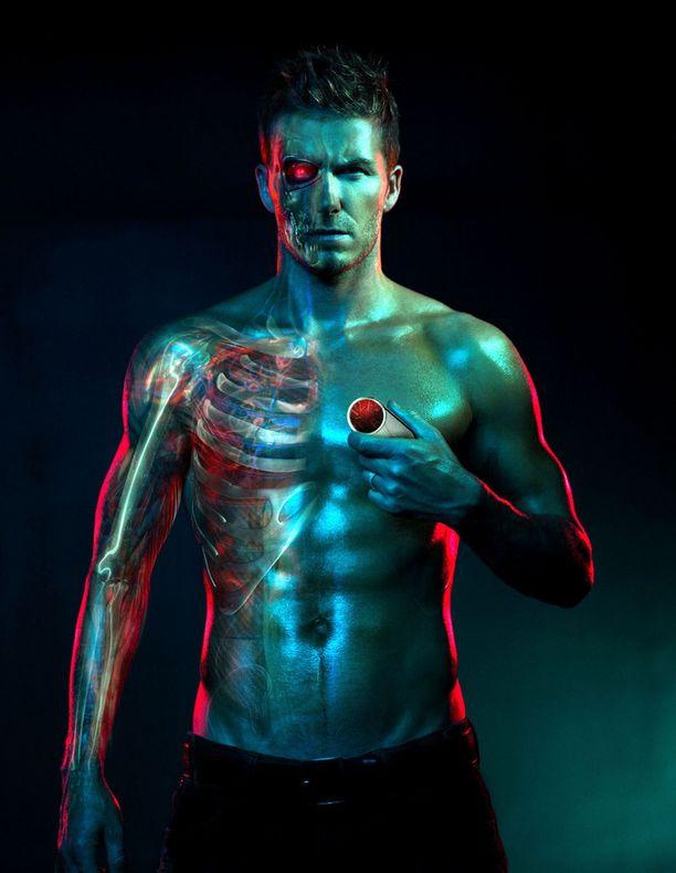 Motorolan mainoksessa vuonna 2009 Beckhamista leivottiin kyborgi.