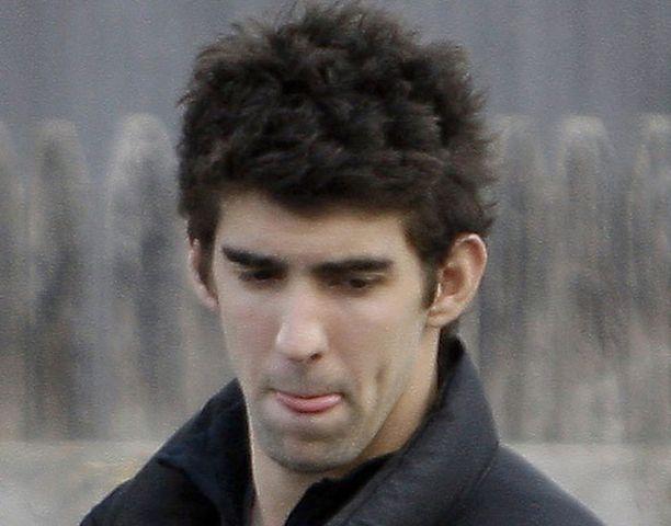 Michael Phelps on vaarassa menettää osan yhteistyökumppaneistaan piippukohun takia.