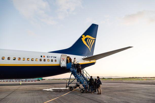 Raportin mukaan 17 prosenttia irlantilaisen halpalentoyhtiö Ryanairin matkustajista on kokenut muiden matkustajien taholta epäasiallista käytöstä lennoilla.