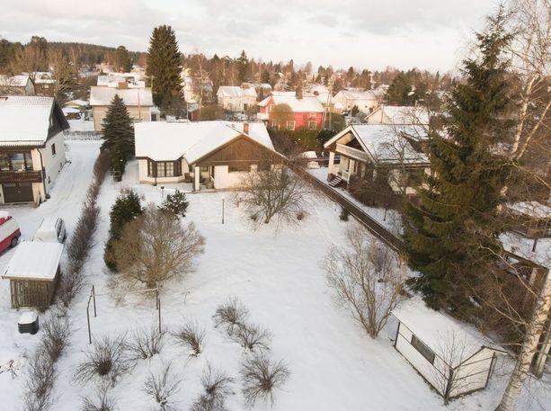 Alue sijaitsee noin kymmenen kilometrin päässä Tampereen keskustasta.