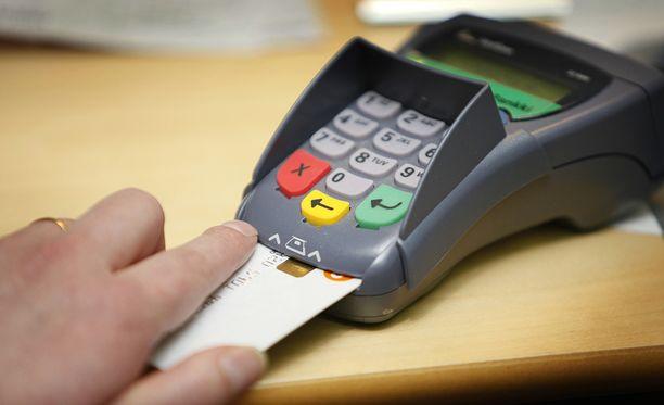 Poliisi pyytää yrittäjiä ja yhteisöjä kiinnittämään erityistä huomiota maksupäätelaitteiden säilytykseen.