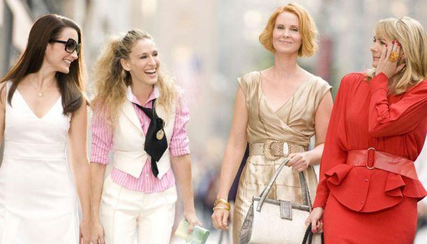 Nyt he ovat täällä - Carrie, Charlotte, Samantha ja Miranda.