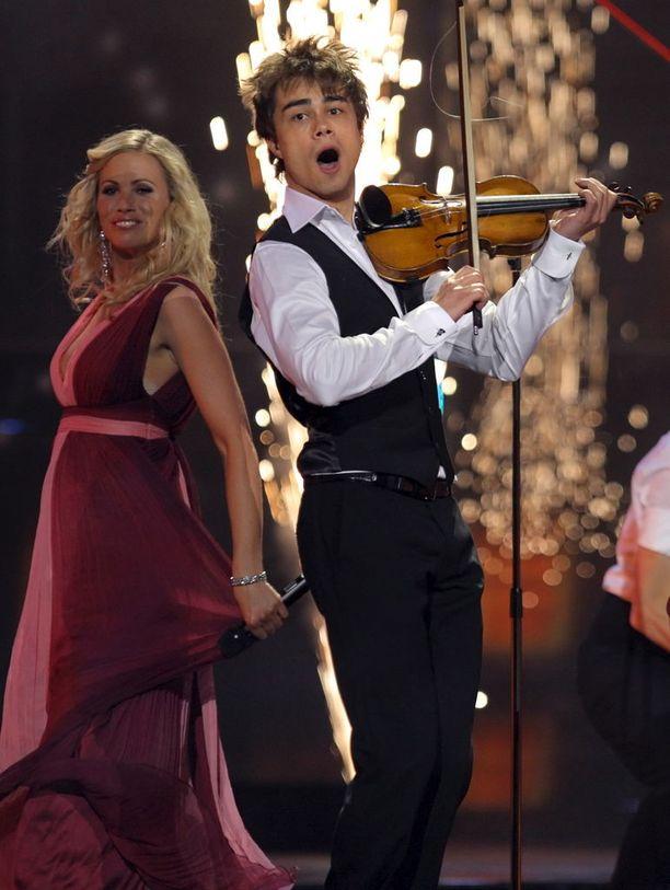 Rybak toi Norjalle maan viimeisimmän Eurovision-voiton Moskovassa 2009. Voiton myötä Fairytale nousi listoille myös Suomessa.
