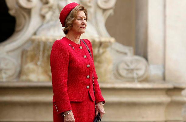 Kuningatar Sonja oli hyvissä väleissä Ari Behnin kanssa.