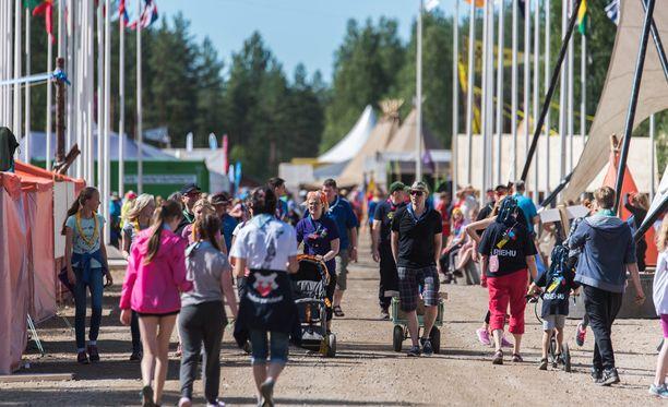 Roihu-leirillä on 17 000 partiolaista.