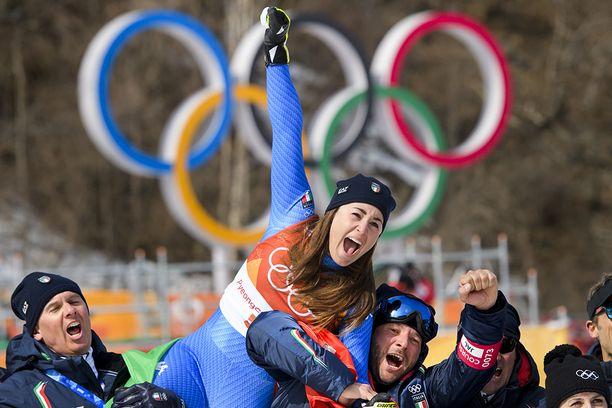 Sofia Goggia toi Italialle olympiakultaa.