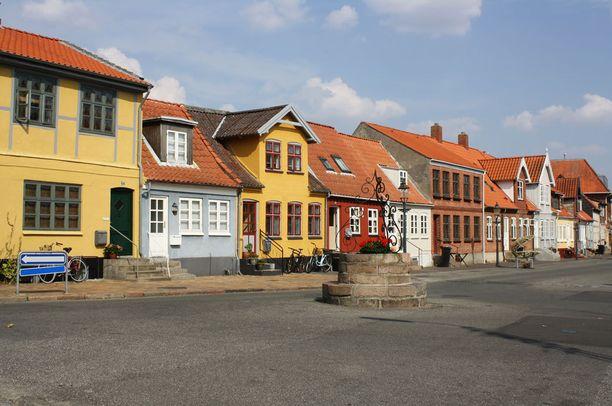 Bogensen kaupungin talot ovat iloisen värikkäitä.