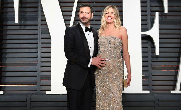 Jimmy Kimmel ja hänen vaimonsa Molly McNearney odottivat Billyä Oscareiden aikaan.