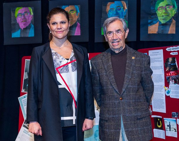 Kouluvierailulla Victoria tapasi kirjailija Emerich Rothin.