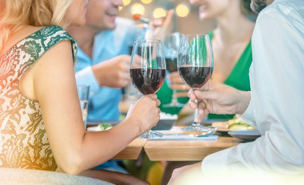 Viikonloppuna ravintoloissa käyneet ovat saaneet kommenttipalstoilla isot haukut.