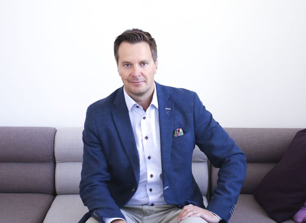 Mika Engblom peräänkuuluttaa valmistajien vastuuta 5G-laitteissa.