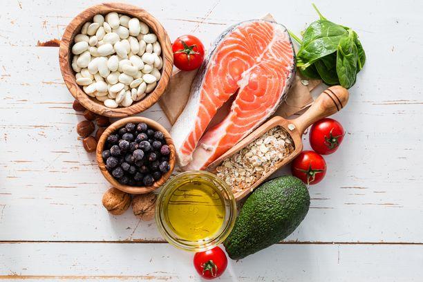 Diabeteksen voi välttää tai sen puhkeamista lykätä syömällä pehmeitä rasvoja, kuitua ja lisäämällä kasvisten määrää.