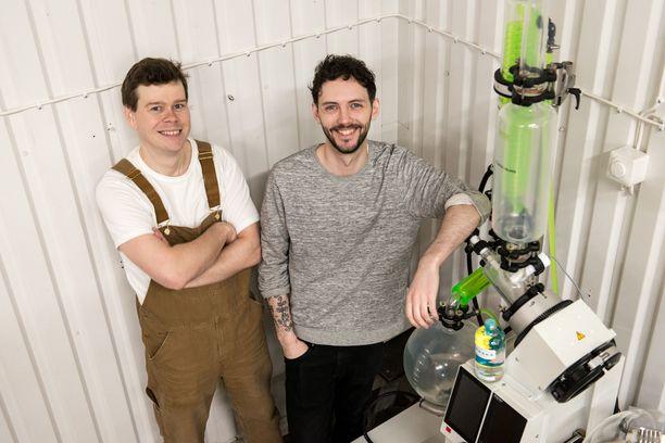 Fred Karlsson ja Eetu Topo lanseerasivat keväällä uuden kotimaisen tisleen.