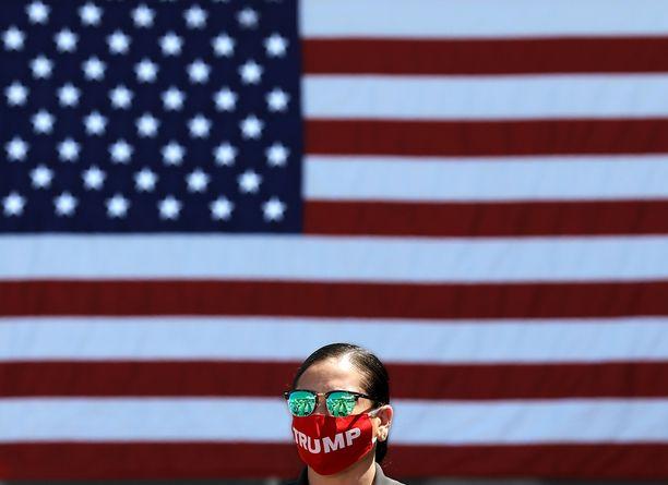 Yhdysvaltojen presidentinvaalikampanja tuo omat haasteensa koronaviruspandemian pysäyttämiseen.