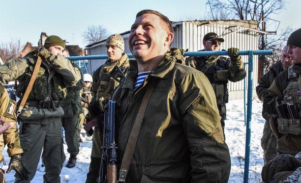 Aleksandr Zahartshenko sanoo iskujen oleva paras kunnianosoitus kaatuneille separatisteille.