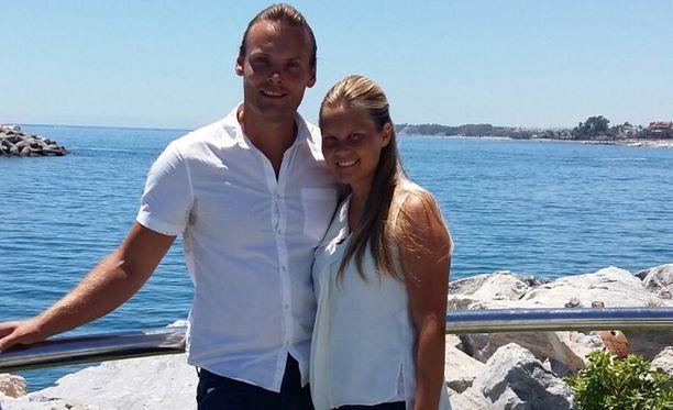 Henri ja Elena Finnilä asuvat osan vuodesta Espanjassa.