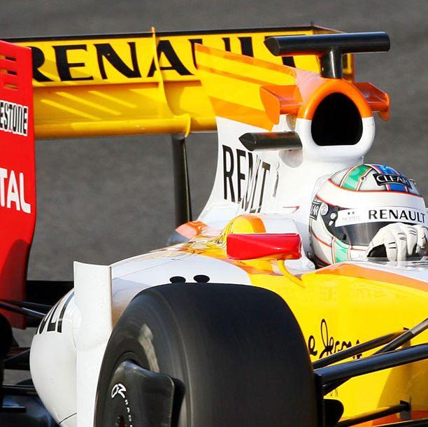 Uudet omistajat taannevat, että Renault nähdään jatkossakin formuloissa.