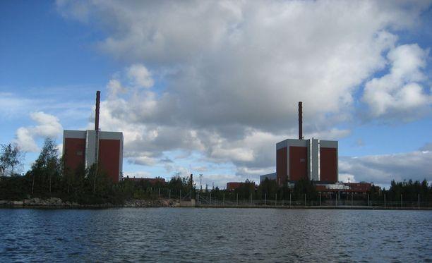 Olkiluoto 2:n turbiinisalissa sattui öljyvuoto myöhään perjantaina.