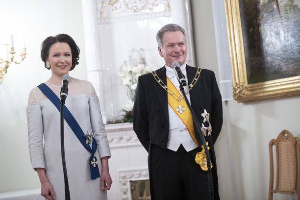 Rouva Jenni Haukio ja presidentti Sauli Niinistö kutsuvat jälleen ison joukon vieraita juhlimaan itsenäisyyspäivää.