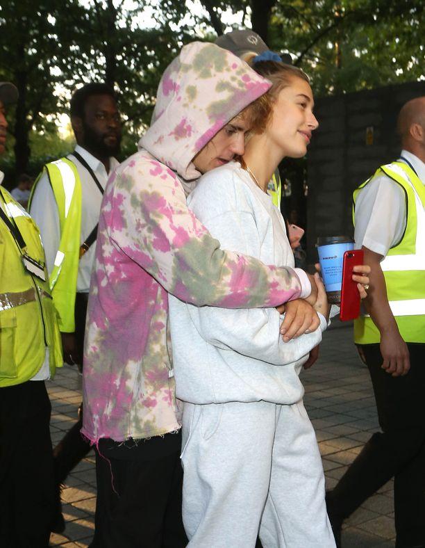 Bieberit avioituivat kaikessa hiljaisuudessa.