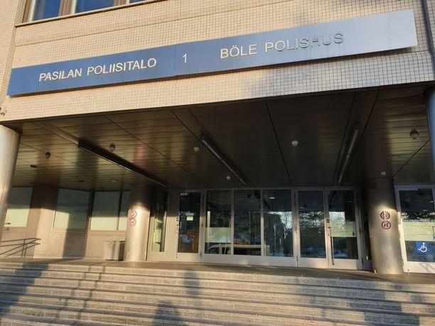 Vangitsemisistunnot käytiin Pasilan poliisitalolla lauantaina.