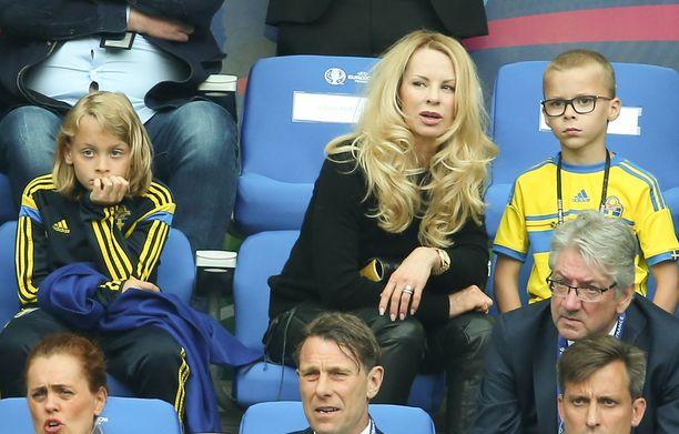 Zlatanilla ja Helenalla on kaksi poikaa, Maximilian ja Vincent. Perhe seurasi viime kesänä Zlatanin maajoukkueuran päättymistä jalkapallon EM-kisoissa Ranskassa.