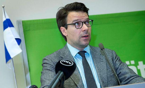 """Vihreiden puheenjohtajan Ville Niinistön mukaan kaivoksen kannattavuuslaskelmat nojaavat """"hyvin epärealistiseen yhdistelmään nikkelin maailmanmarkkinahinnan voimakkaasta nousemisesta ja kaivoksen nikkelituotantomääristä""""."""