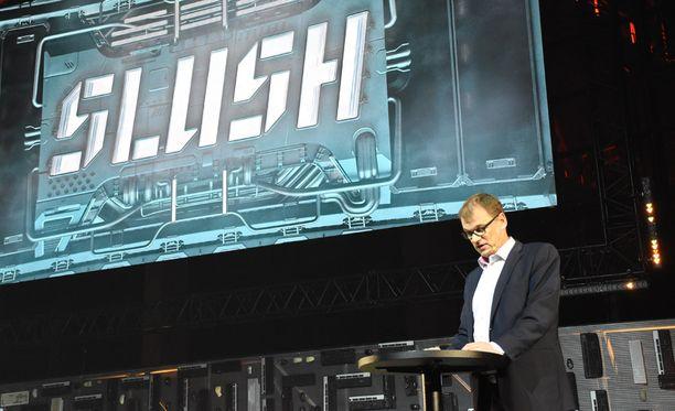 Juha Sipilä sanoi avauspuheessaan, että hän tuntee Slush-tapahtumassa olonsa kotoisaksi. - •On palkitsevaa olla täällä, koska olen johtanut ja omistanut useita start up -yrityksiä ja työskennellyt it-alalla suurimman osan työelämästäni, Sipilä mainitsi.