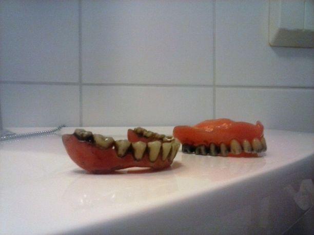 Hampaat pesun jälkeen.