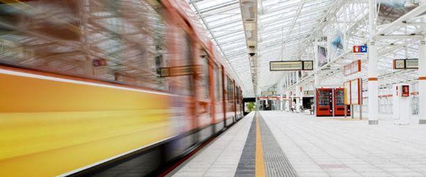 Metromatkan hinta saattaa jatkossa määräytyä reissun pituuden mukaan.