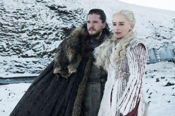 Game of Thrones -sarjan 8. tuotantokausi on käynnissä. Kuvassa Jon Snow (Kit Harington) ja Daenerys Targaryen (Emilia Clarke).