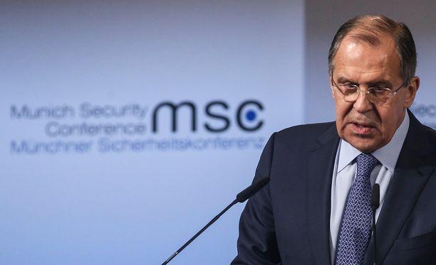 Venäjän ulkoministeri Sergei Lavrov kertoi lauantaina, että Itä-Ukrainaan on saatu tulitauko.