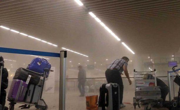 Lentokenttä täyttyi savusta.