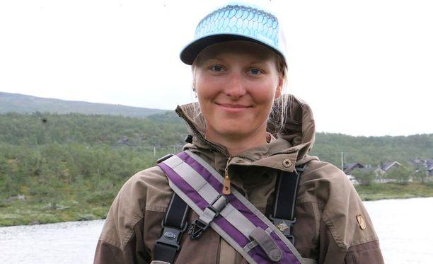 Hyvinkäältä Lappiin muuttanut Emilia Laitinen on löytänyt uuden kotipaikan Kilpisjärven upeista tunturimaisemista.