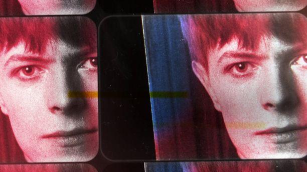Miten David Jonesista tuli vuonna 1966 David Bowie? Entä miten Bowiesta tuli Ziggy Stardust? Kysymyksiin vastaa Francis Whatelyn tuore ohjaus David Bowien ensimmäiset vuodet.