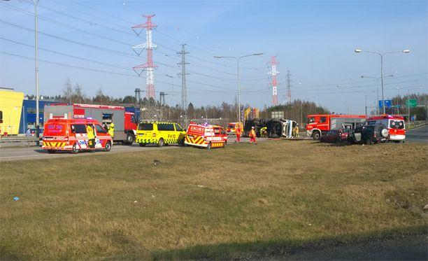 Onnettomuus sattui Kehä III:lla, Ikean kohdalla.