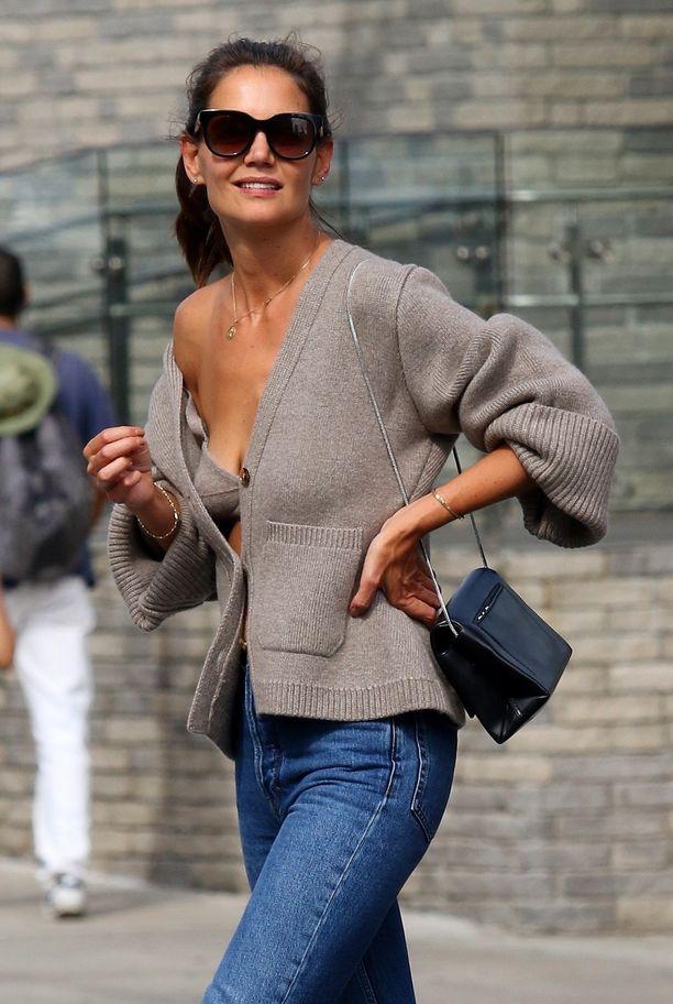 Katie Holmesin neulotuista rintsikoista tuli muotihitti.