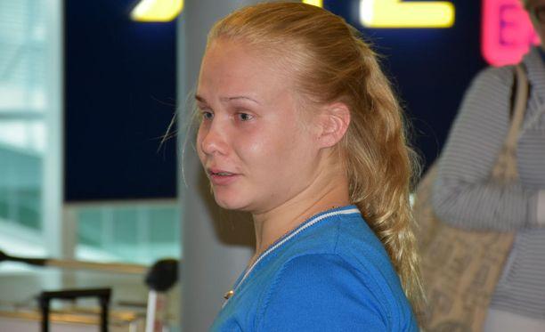 Petra Olli ihmetteli yllätyksenä paikalle saapunutta tukijoukkoa.