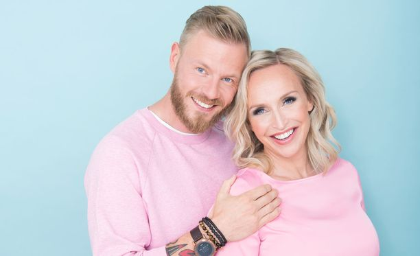 Juha Rouvinen ja Jutta Gustafsberg avioituvat 24. elokuuta Italiassa.