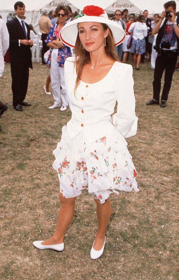 Jane Seymour ja 90-luvun röyhelömuotia.