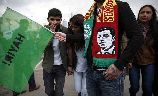 Kurdit vastustavat uutta perustuslakia.