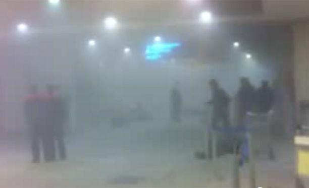 Silminnäkijä kuvasi videon hieman räjähdyksen jälkeen.