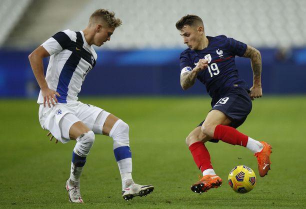 Onni Valakari hurmasi Ranska-ottelussa.