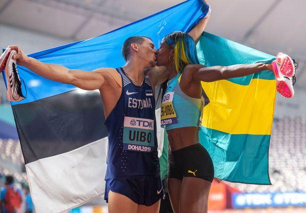 Shaunae Miller-Uibon ja Maicel Uibon lempi leiskui Dohan MM-stadionilla.