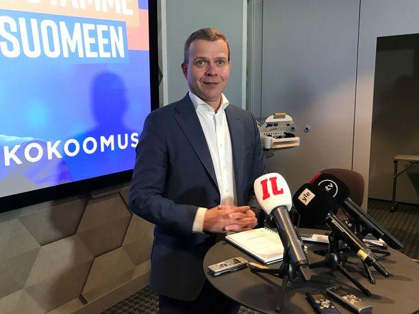 Orpo korosti, että hallitusohjelman pitää varmistaa, että Suomi on suvaitsevainen ja tasa-arvoinen.