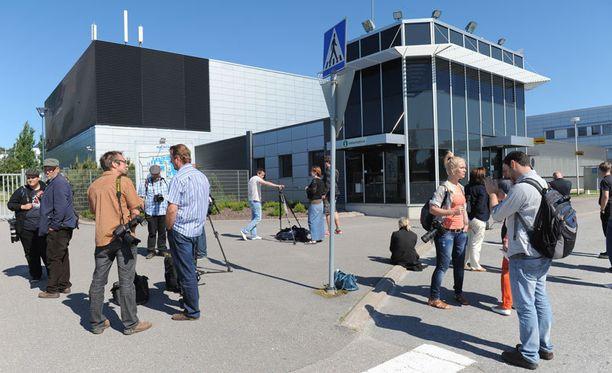 500 nokialaista irtisanotaan Oulun tehtaalta.